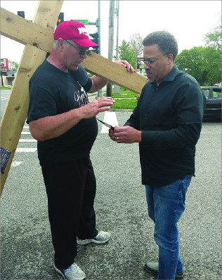 Cross walk: Pastor takes hope to the city