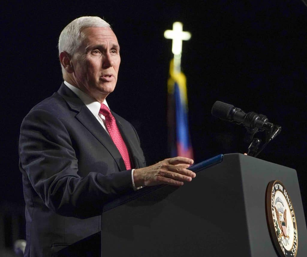 Pence speaks to large convention crowd