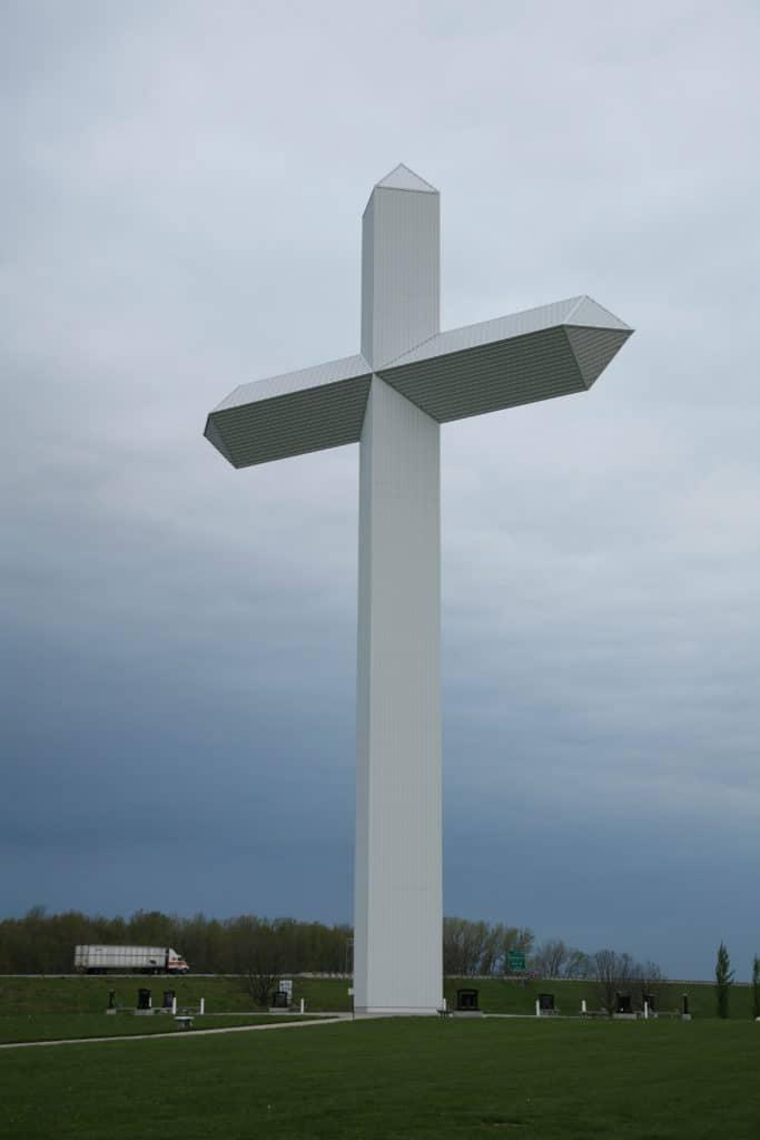 Effingham Cross (Wiki Commons)
